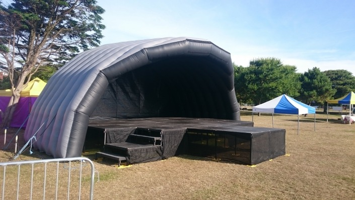 outdoor 10m inflatable stage with catwalk e1538580782990
